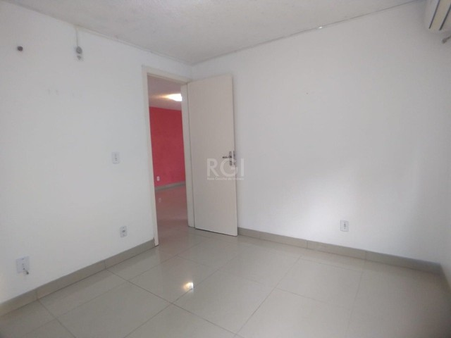 Apartamento térreo  com pátio 2 dormitórios no condomínio Reserva da Figueira no bairro Lo - Foto 10