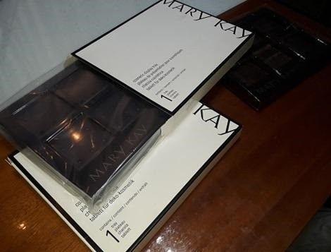 Display com base magnética MaryKay (Duas unidades)