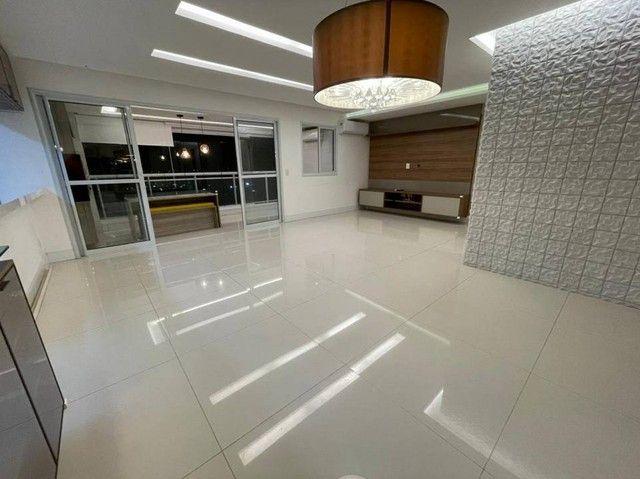 Apartamento para venda tem 131 metros quadrados com 3 quartos em Calhau - São Luís - MA
