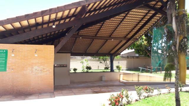 Aluga-se apto cond. Campo do Cerrado, 3 quartos sendo uma suíte 2 suites. R$ 1.500reais