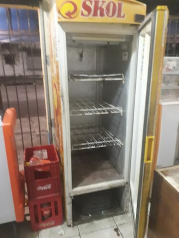 Vendo freezer da Skol em perfeito estado - Foto 2