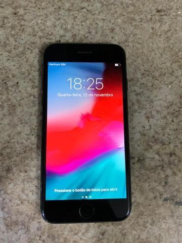 IPhone 8 64GB - Cinza Espacial