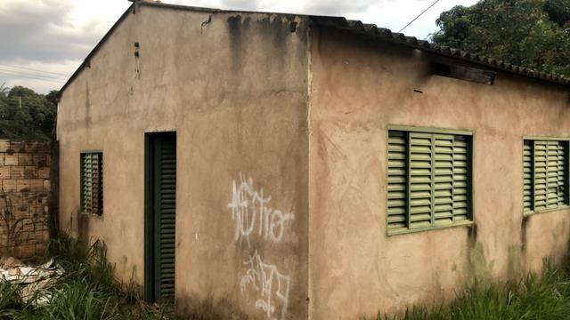 Lote de esquina 360m2 com Casa e Barraco Murado no Jardim Ingá! - Foto 3