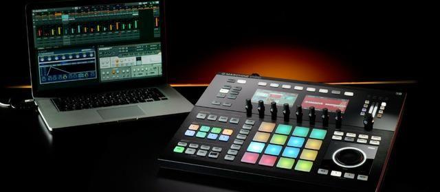 Controlador Sampler Maschine Studio Preta Nova Lacrada