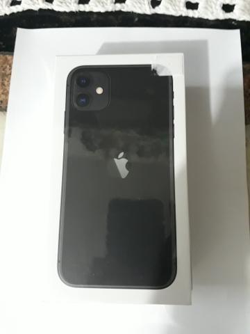 Iphone 11 preto 128gb! ORIGINAL LACRADO NA CAIXA - Foto 2