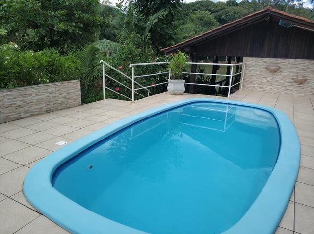Lindo sitio urbano a menos de 4 km do centro da cidade 3 casas piscina lagoa - Foto 2