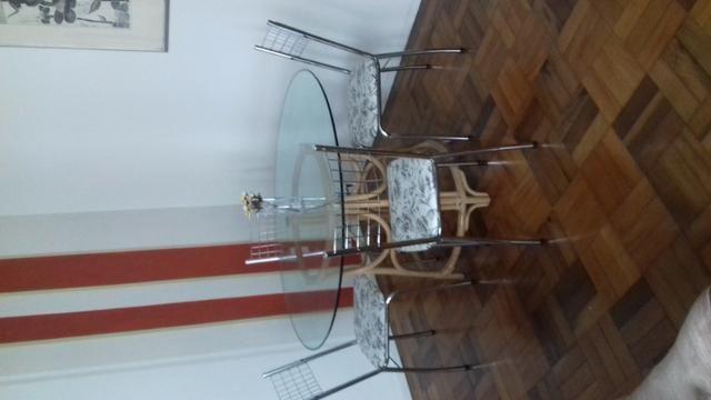 Conjunto mesa de vidro e cadeiras - Foto 2