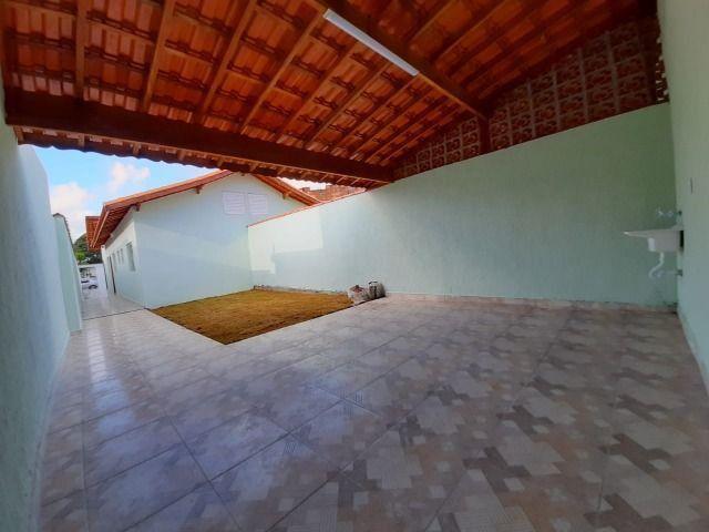 Casa individual 2 dorm 4 vagas fundo coberto p/ churrasqueira - AC carro e financ - Foto 17