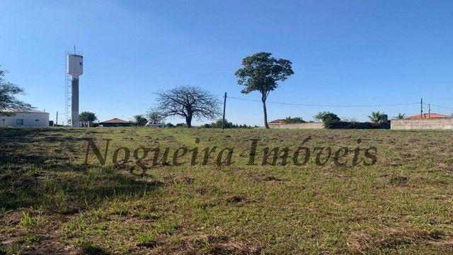 Lago Azul, terreno com 2.000 m², plano, escritura registrada (Nogueira Imóveis)