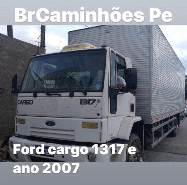Ford cargo 1317 e ano 2007 baú 9 metros - Foto 2