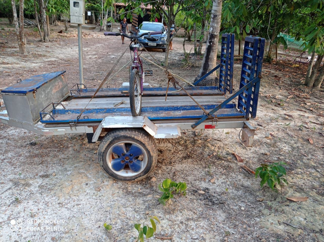 Carrocinha com rampa para quadriciclo ou moto
