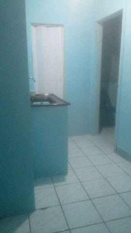 Kitnet no Barreto 450,00 + água/esgoto +luz - Foto 4