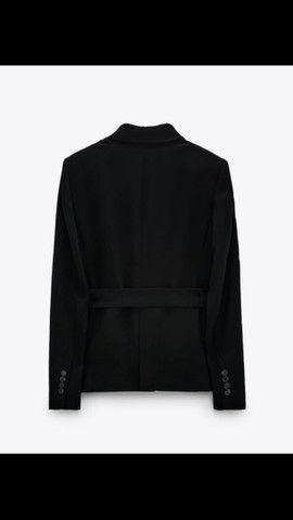 Blazer com cinto Zara  - Foto 3