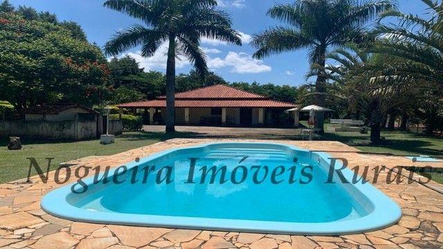 Maravilhosa chácara com 20.000 m², ótima casa, local tranquilo (Nogueira Imóveis Rurais)