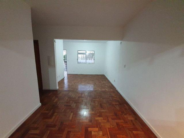 Casa com 2 apartamentos de 90m2 cada mobiliado + espaço comercial.  - Foto 4
