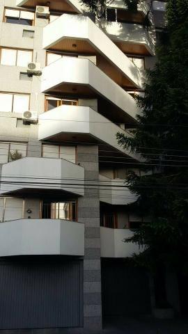 Excelente kitinete em zona central mobiliada e em prédio de alto padrão!