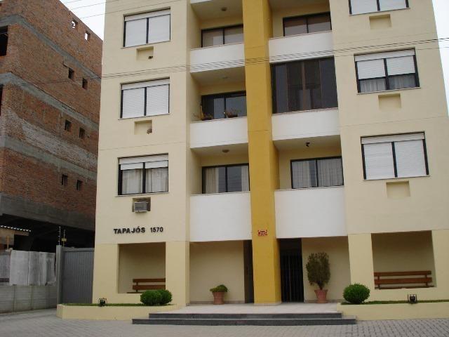 Apartamento Quinze de Novembro, 1570, Ed. Tapajós, elevador, sacada
