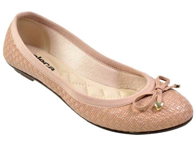 f328306b47 Kit contendo 4 modelos de calçados femininos fabricados pela Beira ...