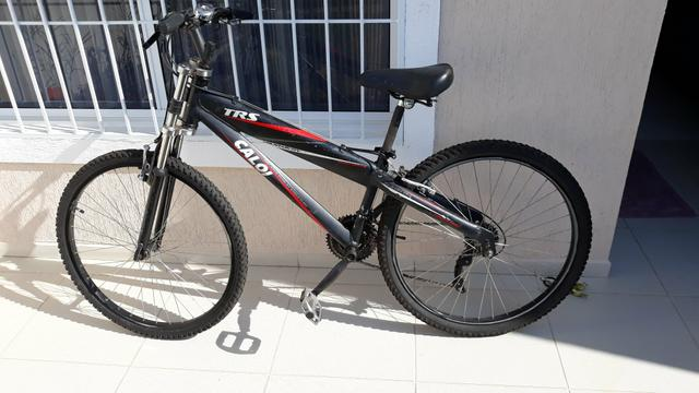 Bicicleta caloi Alumínio e suspensão