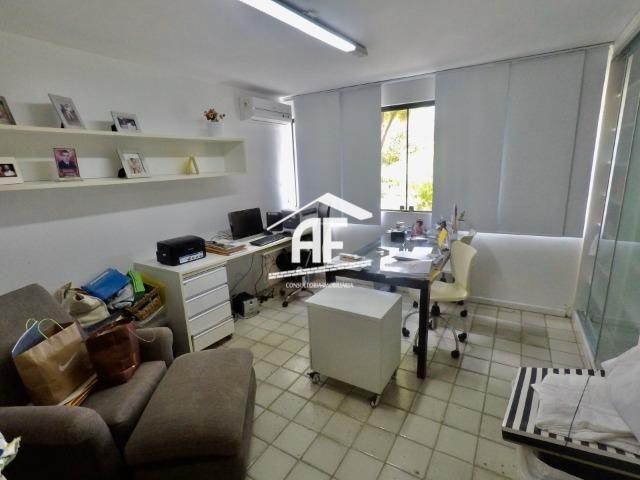 Casa construída em 2 lotes no condomínio Jardim do Horto - Área de lazer completa - Foto 18