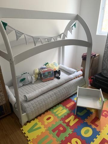 Cama de criança + cadeira e mesa