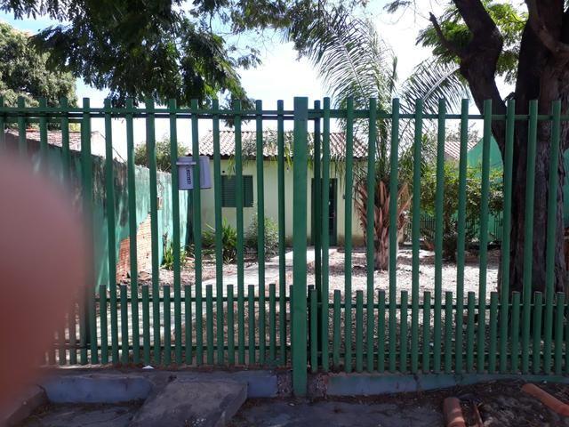 Alugo casa no bairro tijucal