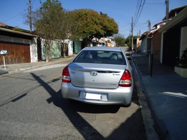 Toyota Etios Platinum Sed - Foto 8
