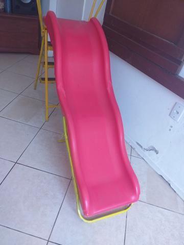 Escorregador infantil só tem um quebradinho,ferro foi feito por artesão - Foto 5