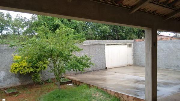 Casa  com 3 quartos - Bairro Jardim Ipanema em Goiânia