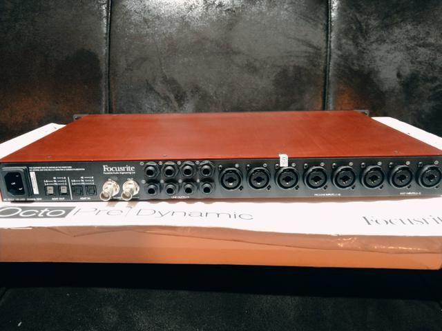 Pre/Amplificador Focusrite - dynamic