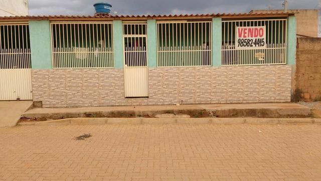 Linda Casa no Sol nascente com asfalto na porta - Foto 3