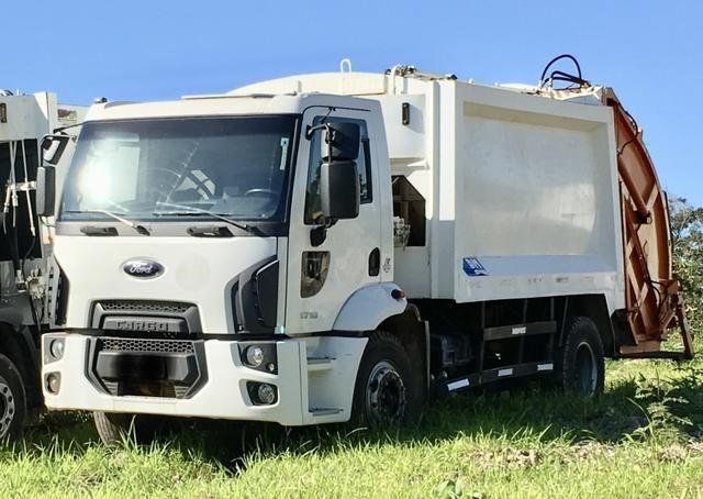 Aluguel caminhão compactador prensa coletor de lixo - Foto 3