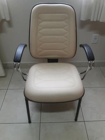 Cadeiras escritório / diretor fixas