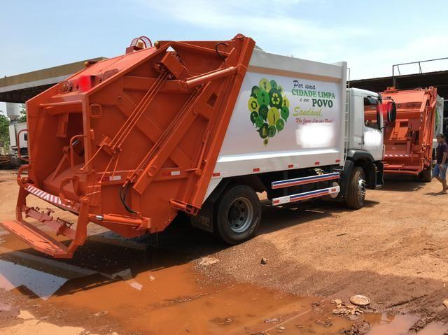 Aluguel caminhão compactador prensa coletor de lixo - Foto 2