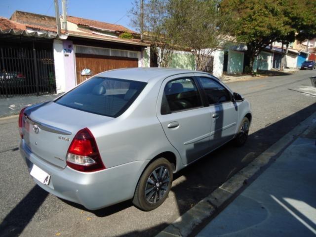 Toyota Etios Platinum Sed - Foto 12