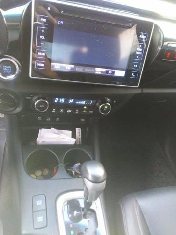Toyota Hilux 17/17 SRX 2.8 4x4 - Foto 3
