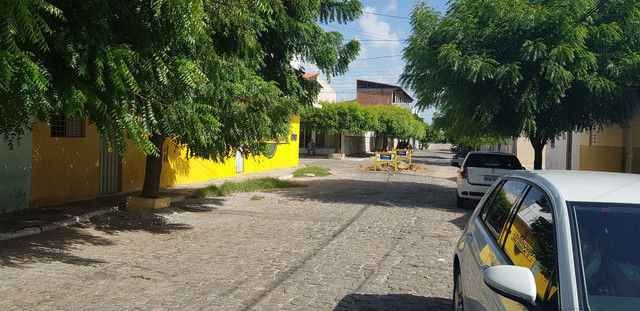 PEQUENA CASA BEM LOCALIZADA - Foto 3