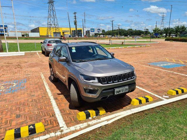 Vendo jeep compass longe tudo,tração 4×4 diesel,seminovo,na garantia - Foto 3