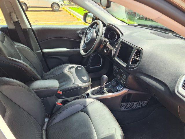Vendo jeep compass longe tudo,tração 4×4 diesel,seminovo,na garantia - Foto 4