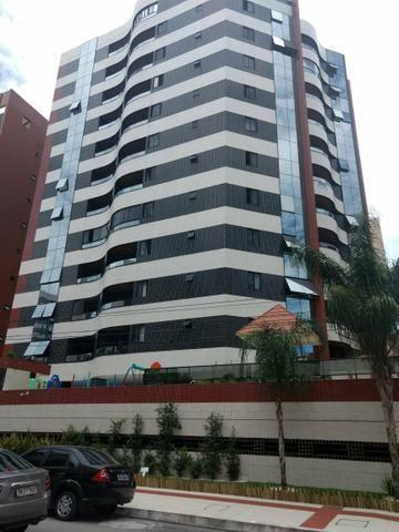 Vendo belíssimo apartamento na ponta verde
