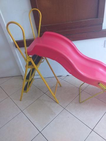 Escorregador infantil só tem um quebradinho,ferro foi feito por artesão - Foto 4