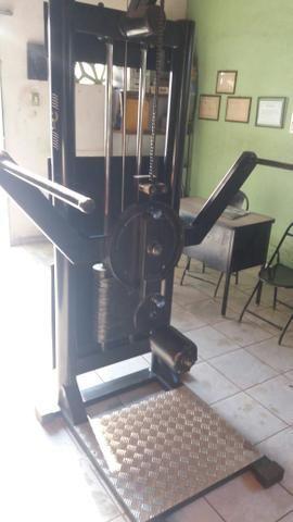 Vendo academia completa máquinas - Foto 4