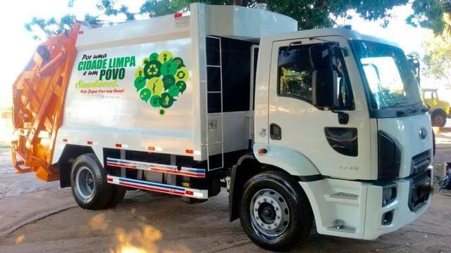 Aluguel caminhão compactador prensa coletor de lixo