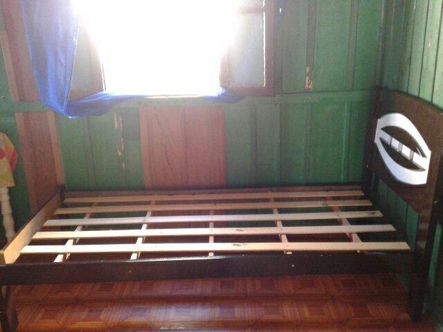 Vendo uma cama de solteiro - Foto 2