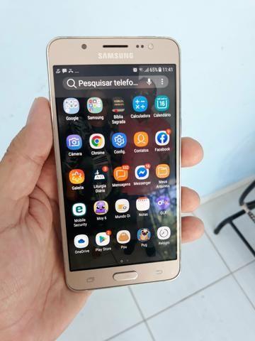 Celular Samsung J5 Metal com 16GB memória
