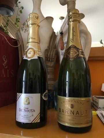 Champagnes importados conservados e lacrados