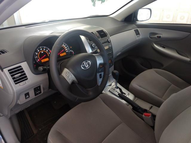 Corolla 2012/2013 Vendo ou troco em carro menor valor - Foto 3