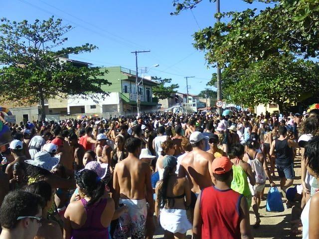 A-lugo Carnaval na Barra do Sahy - Aracruz a 100m da praia - Foto 17