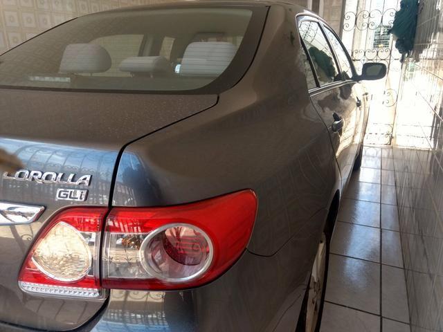Corolla 2012/2013 Vendo ou troco em carro menor valor - Foto 2