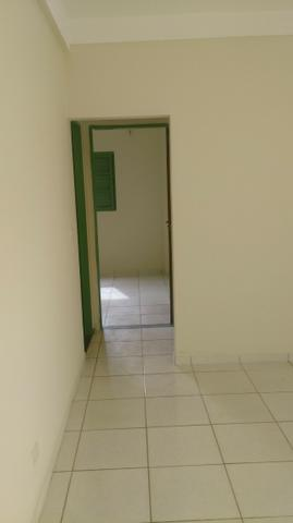 Apartamento amplo no Bairro Santos Dumont com 02 vagas garagem - Foto 8